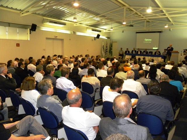 Simespi foi palco de palestra de José Serra