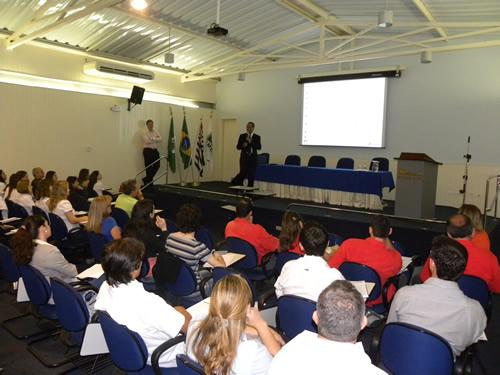 Palestra no Simespi abordou a implantação do EFD Social pela Receita Federal
