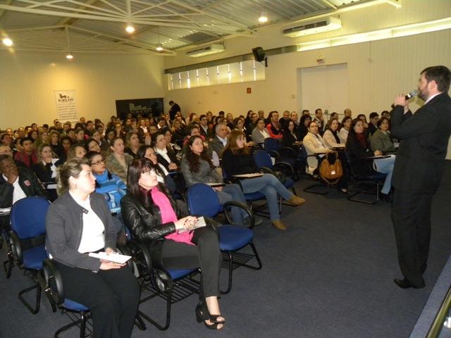 Palestra sobre eSocial lotou o auditório do Simespi