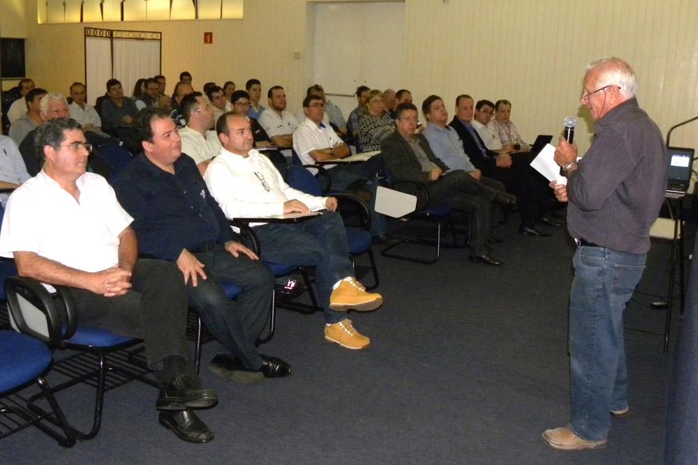 Simespi recebe palestra sobre qualidade e produtividade para o setor metal mecânico