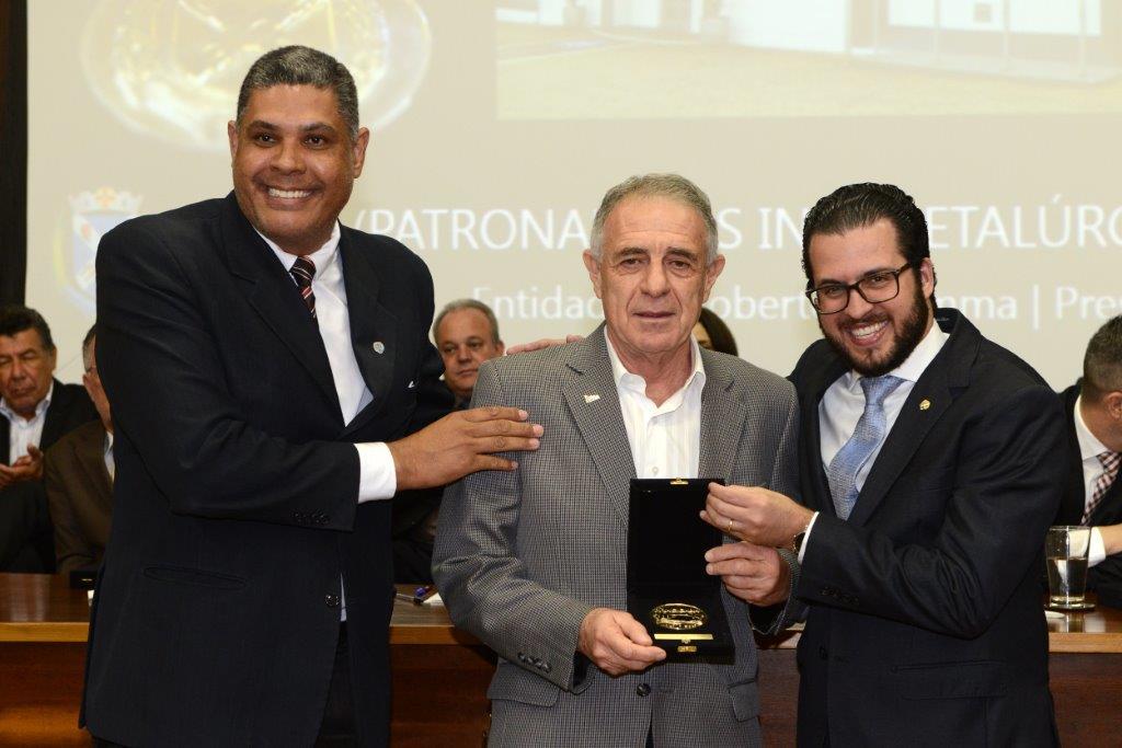 Simespi recebe medalha pelos 250 anos de Piracicaba