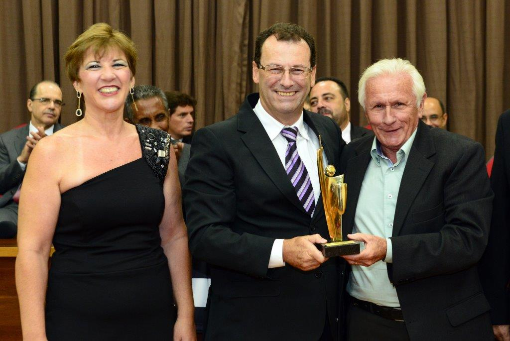 Sérgio Furtuoso recebe homenagem do Simespi