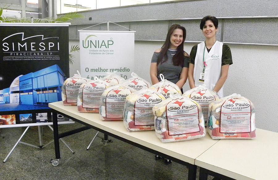 Simespi doa cestas de Natal para Uniap