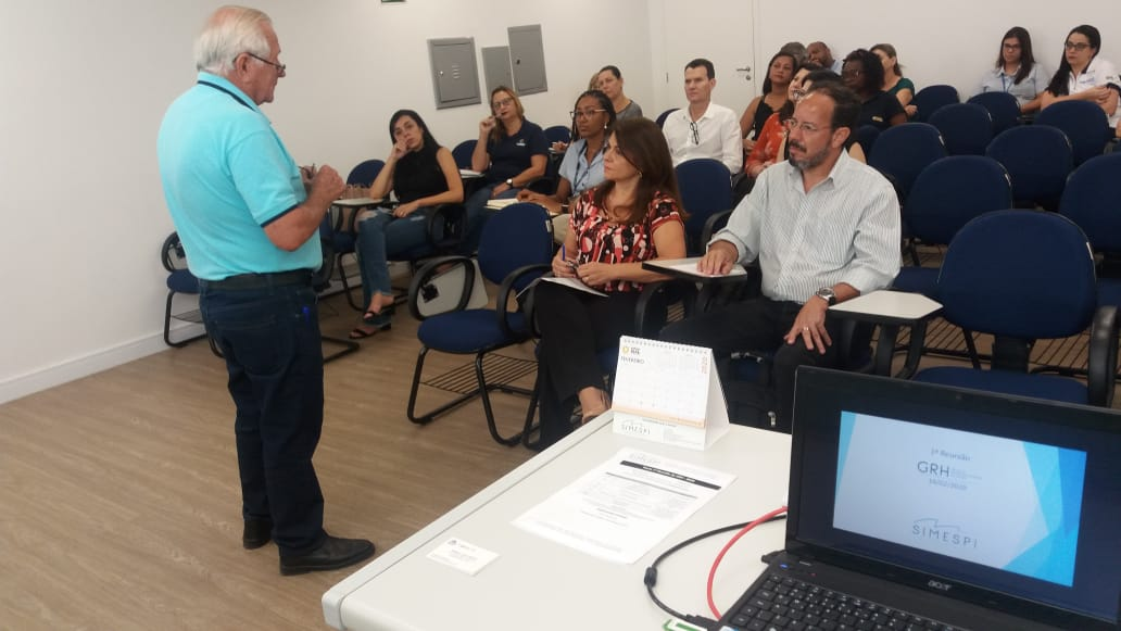 Grupo de Recursos Humanos visa a troca de experiências entre profissionais e associadas