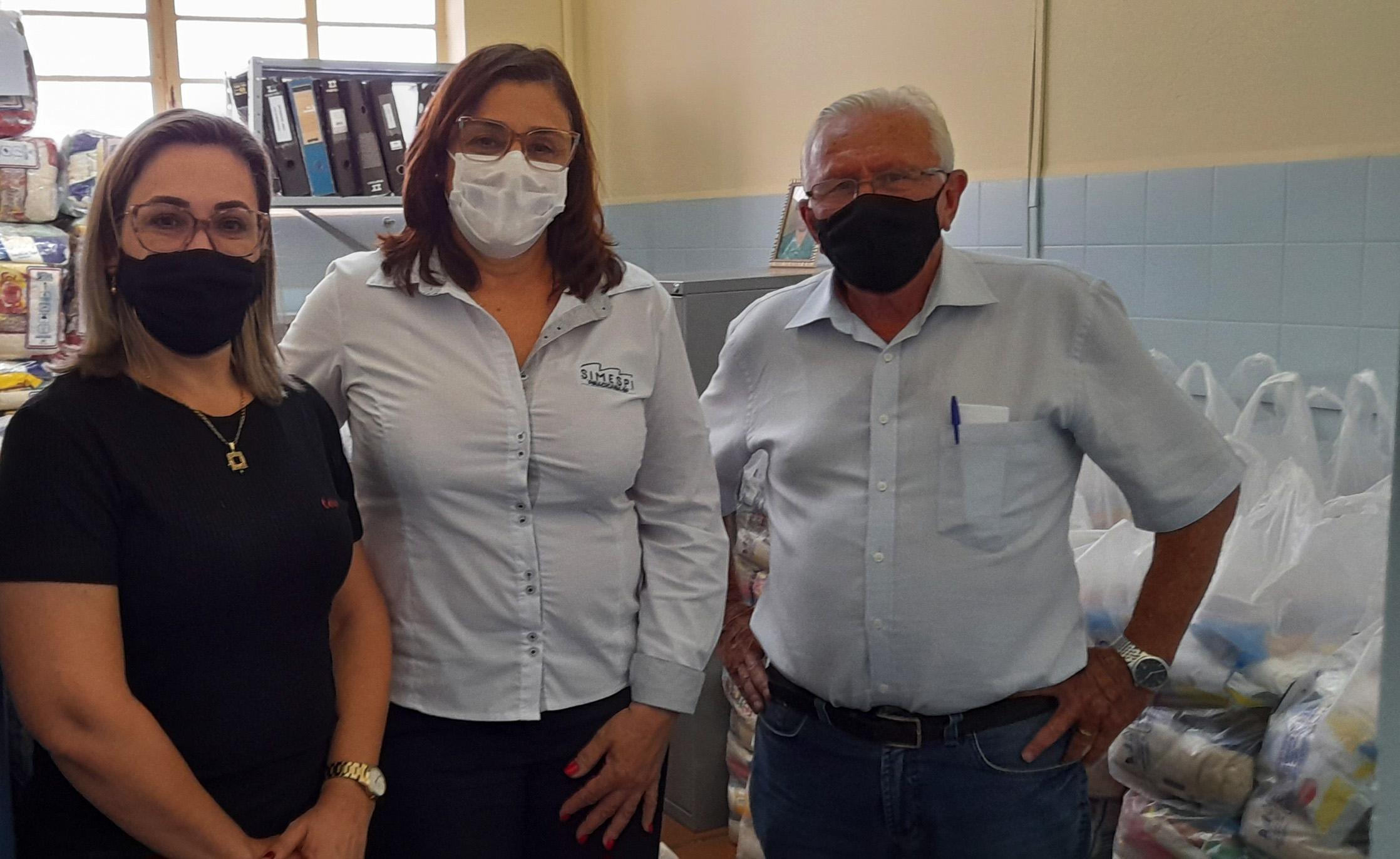 Simespi doa mais de 300 cestas básicas para Prefeitura de Rio das Pedras